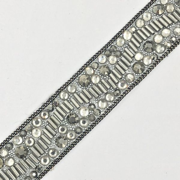 1 metre x 20cm  grey crystal bead and chain - irn003